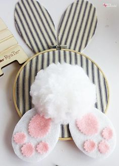 DIY Easter Wreath Idea: Embroidery Hoop Bunny You are in the right place . DIY Easter Wreath Idea: Embroidery Hoop Bunny You are in the right place for easter recipes lemon Here we offer you the most beautiful pictures with t. Easy Easter Crafts, Easter Projects, Bunny Crafts, Easter Crafts For Kids, Craft Projects, Easter Ideas, Easter Recipes, Spring Crafts, Holiday Crafts