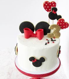 New Birthday Cupcakes Mickey Mouse 34 Ideas Torta Minnie Mouse, Mickey And Minnie Cake, Bolo Minnie, Mickey Mouse Cupcakes, Mickey Cakes, Minnie Mouse Birthday Cakes, Birthday Cupcakes, Birthday Cake Disney, 3rd Birthday