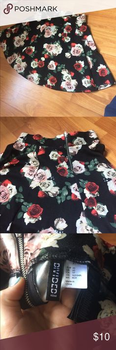 H&M skirt Floral skater skirt, perfect for summer or fall. Barely worn! Skirts Circle & Skater