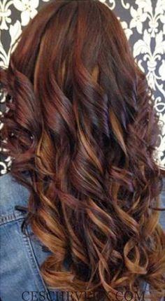 les Cheveux Bouclés Style