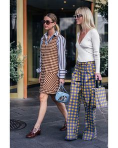 The fashion trend forecast is also known as the fashion forecast, it is the study that focuses on current fashion and predicts future and future trends. Best Street Style, Street Style Outfits, Street Chic, Casual Look, Look Chic, Casual Chic, Look Fashion, Fashion Outfits, Womens Fashion