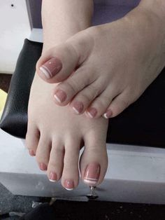 Manos y pies Classy Nails, Stylish Nails, Simple Nails, Trendy Nails, Pretty Toe Nails, Cute Toe Nails, Cute Nail Art Designs, Toe Nail Designs, Feet Nail Design