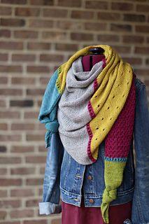 Ravelry: CatReading's Greatest Hits - Dreieckstuch Stricken Poncho Knitting Patterns, Shawl Patterns, Knitting Stitches, Knitting Yarn, Baby Knitting, Crochet Patterns, Cowl Scarf, Knit Cowl, Knitted Shawls