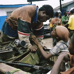 One of my favorite shots fromTim Hetherington.This was shot in Liberia in the middle of a war. Legacy of Tim Hetherington British Journal Of Photography, Inspiring Photography, Best Documentaries, British American, Photographer Portfolio, Magnum Photos, Human Condition, The New Yorker, Documentary Film
