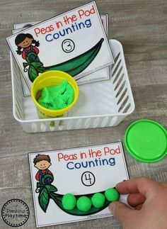 Preschool Farm Theme Centers - Peas in the Pod Counting #preschool #farmtheme #springpreschool #preschoolgames #preschoolfun #counting