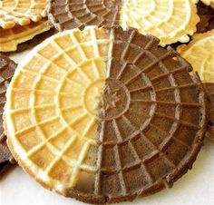 MANY SUGGESTIONS FOR OTHER FLAVORS ALSO Chocolate pizzelle Cookie Table, Cookie Desserts, Cookie Recipes, Bread Recipes, Pizzelle Cookies, Pizzelle Recipe, Italian Cookies, Italian Desserts, Biscotti