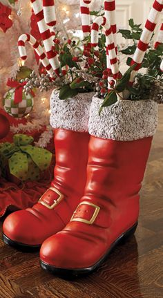 These Oversized Santa Boots are certainly one of the most novel holiday touches you'll find. You can leave them empty, fill them with seasonal accents, or shake up your Christmas morning routine by stuffing them like a stocking. Western Christmas, Christmas Porch, Christmas Elf, Christmas Ideas, Christmas Morning, Christmas Pictures, Xmas Tree, Christmas Stairs Decorations, Diy Christmas Ornaments