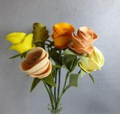 Rosa flor tallo de rosa Artificial de fieltro por Pocketfullposies