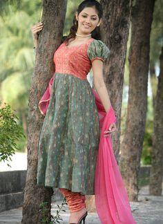 Indian Anarkali Dresses | salwar dress designs photos: Anarkali Dresses Designs