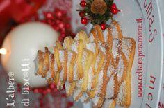 Gluten Free Cookies Christmas Tree http://www.celiacaperamore.it/la-ricetta-di-natale-facciamo-lalbero-innevato/