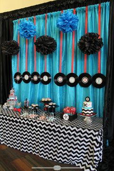 ideas for music theme birthday party design 50s Theme Parties, Music Themed Parties, Music Party, Grease Themed Parties, Star Baby Showers, Baby Shower Parties, Baby Boy Shower, Shower Party, Beatles Party