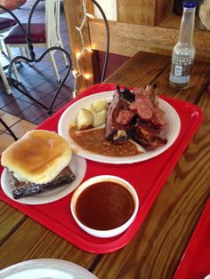 Mann's is an unpretentious, family-operated BBQ joint with surprisingly good desserts. | http://austinitetips.com