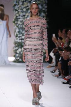 Duyos SS17 MBFW Fashion Made in Spain pink dress Foto: © Pablo Latorre/ L'Estrop