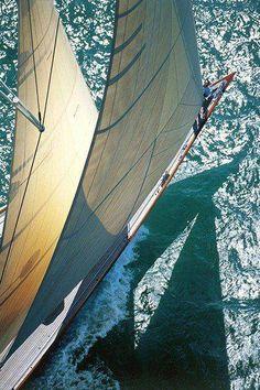 i enjoyed sailing my own mini sail boat alone when i was a kid (emm)