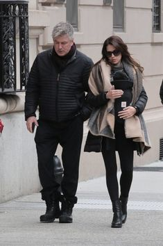 Hilaria Baldwin Photos - Actor Alec Baldwin and his wife Hilaria Baldwin take their baby Leonardo out in New York City, New York on February - Alec Baldwin and Hilaria Baldwin Step Out With Their Newborn Son Leonardo in NYC Alec Baldwin, February 5, Stepping Out, New York City, Sons, Winter Jackets, Nyc, Actors, Celebrities