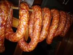 Kiełbasa Swojska Czosnkowa – Blog kulinarny My Favorite Food, Favorite Recipes, How To Make Sausage, Making Sausage, Kielbasa, Smoking Meat, Food And Drink, Homemade, Smokehouse