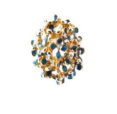 Anel dourado de florzinha azul