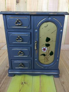 Hi Friends! Lately, while visiting my favorite thrift store, I have come across a variety of vintage jewelry cabinets. They have all been to my liking, although some of them need a little TLC. It goes without saying that I bought them all, and plan to rehabilitate and paint them one by one. Here …