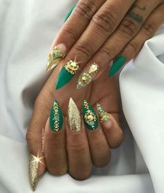 Gold and turquoise... DRIPPING ON THEM BABY! @Amoourk