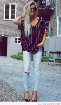 Jeans, t-shirt and high heels