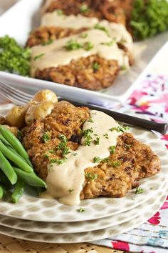 Easy Chicken Fried Steak with Country Gravy Ready in just 30 minutes! This easy Chicken Fried Steak with Country Gravy recipe is super simple to make. The BEST comfort food and a hit with the whole family. Beef Recipes, Chicken Recipes, Cooking Recipes, Easy Recipes, Minute Steak Recipes, Grilled Recipes, Cheap Recipes, Healthy Recipes, Recipe Chicken
