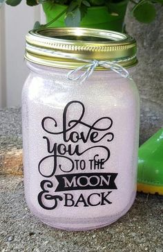 Magical Glittered Mason Jar With Light - Kelly Belly Boo-tique - 6 Mason Jar Projects, Mason Jar Crafts, Mason Jar Diy, Bottles And Jars, Glass Jars, Candle Jars, Kilner Jars, Wedding Reception Party Favors, Christmas Mason Jars