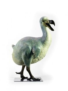 Nick Bibby, The Dodo. Cast by Pangolin Editions. Size: 78 cm high. Photograph (c) Steve Russell Studios courtesy Gallery Pangolin