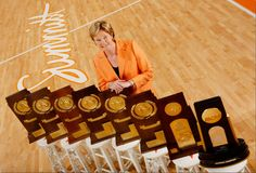 Pat Summitt, legendary Tennessee Lady Vols coach, dies at 64