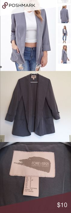 Oversized Blazer Cute oversized, grey blazer! Features pockets. Looks great styled with jeans or leggings. Worn 3 times and in excellent used condition. Forever 21 Jackets & Coats Blazers