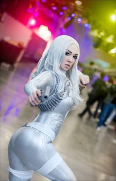 Silver Sable from Marvel Cosplayer: Smirka Cosplay Photographer: Key Taylor