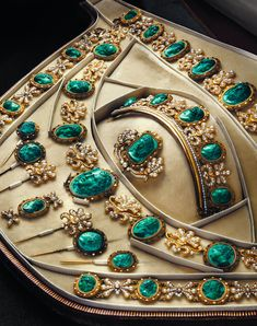 Early 19th-century carved malachite, seed pearl & gold parure in case