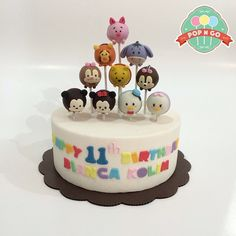 Tsum tsum cake pops @khoriuchi13 if I can't have that macaroon cake I want this