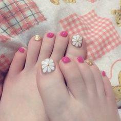 Cute Toe Nails, Cute Nail Art, Love Nails, Pretty Nails, Beach Holiday Nails, Painted Toe Nails, The Art Of Nails, Japanese Nail Art, Feet Nails