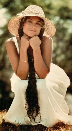 Nicolette Larson. Beautiful 70's/80's Singer With a Sweet Soul and a whole Lotta Hair.