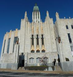 Boston Avenue Methodist Church, Tulsa, OK, 1926. Designed by Bruce Goff. Notice all of the praying hands reaching heavenward!