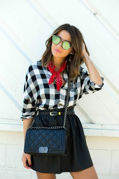 Hoy en Modalia te hacemos una recopilación de los 10 mejores accesorios y prendas que han marcado este 2015.  #Modalia #TopTen #2015 | http://www.modalia.es/bloggers-de-moda/9737-prendas-y-accesorios-top-2015.html