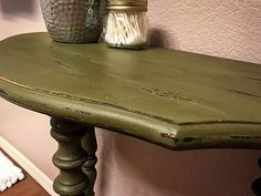 DIY chalk paint table in olive Annie Sloan - Pretty Peas | Southwestern Lifestyle Blog