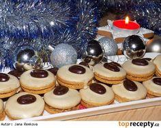 Kávová kolečka s kofilovým krémem - My site Christmas Sweets, Christmas Candy, Christmas Baking, Slovak Recipes, Czech Recipes, Le Chef, Biscuit Recipe, Holiday Cookies, Desert Recipes