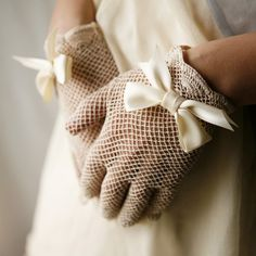 fishnet upcycled vintage gloves with bows pretty Moda Lolita, Christmas Tea Party, Little Presents, Vintage Gloves, Wedding Gloves, Lace Gloves, Upcycled Vintage, Mellow Yellow, Mitten Gloves