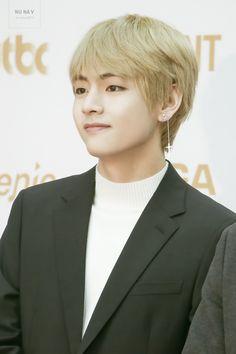 Kim Taehyung as Lay Afgli Nugradharsana Taehyung Gucci, Kim Taehyung, K Pop, Jimin, Bts Twt, Golden Disk Awards, Fan Picture, Worldwide Handsome, Daegu
