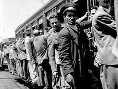 1950 - Bonde com seus passageiros. Foto de Claude Lévi-Strauss.