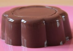FLAN AU CHOCOLAT GRAND-MÈRE : la recette facile - CULTURE CRUNCH Creme Brulee, Mousse, Deserts, Crunch, Gluten, Pudding, Healthy Recipes, Healthy Food, Chocolate