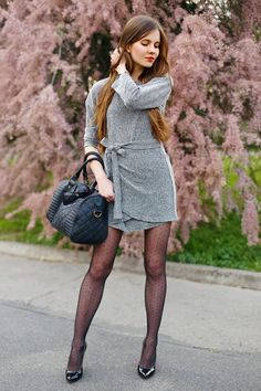 Gray dress, polka dot tights and a black quilted bag Pantyhose Outfits, Stockings Outfit, Black Pantyhose, Black Tights, Nylons, Polka Dot Tights, Patterned Tights, Girl Outfits, Cute Outfits