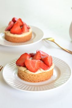 Dutch Strawberry Tarts |  A Dutchie Baking