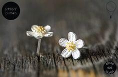 Silber Blumen Ohrstecker - ein Designerstück von poppybutton bei DaWanda