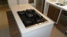 Bancada cozinha com cooktop ilha
