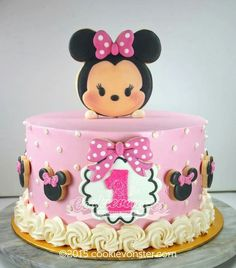 Tsum Tsum Minnie Cookie Cake