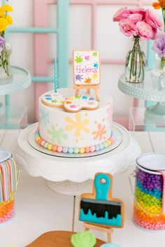 Arts-themed children& party: lots of color and fun for the kids - Children& party decoration with arts theme - Artist Birthday Party, Art Birthday Cake, 7th Birthday, Birthday Party Themes, Birthday Ideas, Art Party Cakes, Cake Art, Art Themed Party, Artist Cake