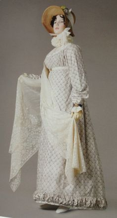Natural coloured cotton muslin shawl c1806. Napoleon and the empire of fashion