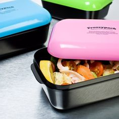 Frozzypack LunchboxThis cool lunch box come with a frozen cover that keeps food inside chilled and fresh for up to 7 hours. All you need to do is cool the gel cover in the freezer for a few hours to properly chill it and you are good to go. Adult Lunch Box, Cool Lunch Boxes, Lunch Containers, Whats For Lunch, Kitchen Items, Kitchen Things, Kitchen Stuff, Kitchen Decor